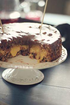 Det ble bestilt kake til kaffe´n her i dag. Siden jeg er litt i det nostalgiske hjørnet om dagen fant jeg ut at jeg skulle lage ... Pudding Desserts, No Bake Desserts, Mini Cakes, Cupcake Cakes, Gooey Cake, Yummy Treats, Yummy Food, Cake Recipes, Dessert Recipes