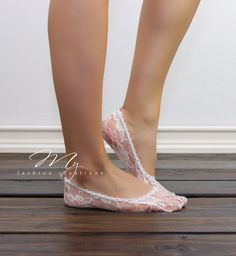 Cute and Fashionable Lace peep socks perfect accessory for those heels or flats.    Listing is for (1) Pair of Lace peep socks with color of