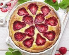 Gratin de fraises à la crème et amaretto : http://www.cuisineaz.com/recettes/gratin-de-fraises-a-la-creme-et-amaretto-72614.aspx