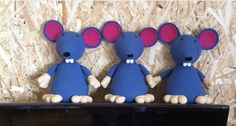You can find this pattern, the racer rat, on Ravelry http://www.ravelry.com/patterns/library/racer-rat amigurumi