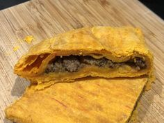 Easy Authentic Flaky Jamaican Beef Patty Recipe - Gimme Yummy Recipes Jamaican Cuisine, Jamaican Dishes, Jamaican Recipes, Jamaican Beef Patties, Jamaican Patty, Fish Patties, Chicken Patties, Yummy Recipes, Cooking Recipes
