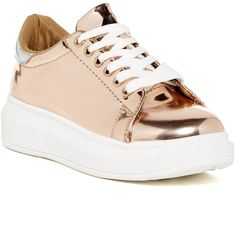 Steve Madden Prestoo Platform Sneaker (€47) ❤ liked on Polyvore featuring shoes, sneakers, rose gold, platform lace up shoes, steve-madden shoes, laced shoes, platform shoes and rose gold shoes