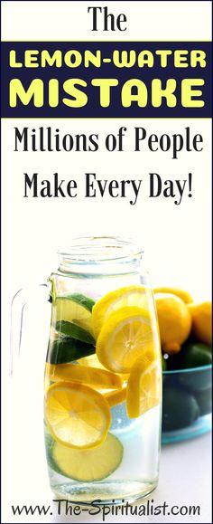 Kannullinen sitruunavettä joka päivänä on terveydeksemme kaikella tavalla; Bio-sitruuna kuorineen siivuina + (lähde)vettä.