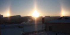 Everyone knows Earth has only a single sun. But you might not know it from this fascinating video posted Jan. 22 by The Guardian, which shows what appear to be three suns in the sky over Mongolia.   Of course, it's really only our solitary sun flan... http://www.huffingtonpost.com/2015/01/24/three-suns-video-mongolia-sky_n_6533344.html