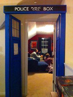 Secret game room is bigger on the inside. Doctor Who, 12th Doctor, Tardis Door, Serie Doctor, Geek Cave, Relax, Secret Rooms, All Family, Room Doors