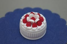 quilled cake red