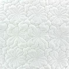 Tissu matelassé Fleurs brodées écru x 10cm