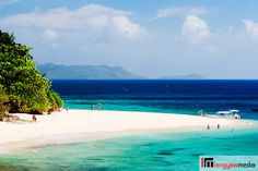 10 remote Philippine island beaches you haven't been to Flower Island's white sand beach is concentrated at only a section of the island, and where one enters and exits. This is pure bliss! Philippines Tourism, Visit Philippines, Philippines Culture, Philippines Fashion, Vacation Checklist, Vacation Resorts, Beach Resorts, Vacation Spots, Islands