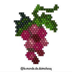 Le diagramme de la grappe de raisin (bon j'avoue celui là, je ne l'aime pas trop, MAIS bon allez je partage quand même ) #motifdsimchouq #miyuki #perles #bead #perlesmiyuki #miyukiaddict #miyukibeads #miyukidelica #jenfiledesperlesetjassume #perlezmoidamour #perlesaddictanonymes #perlesaddict #tissage #tissageperles #brickstitch Peyote Stitch Patterns, Bead Loom Patterns, Beading Patterns, Flower Patterns, Miyuki Beads, Native American Patterns, Bead Jewellery, Seed Bead Earrings, Brick Stitch