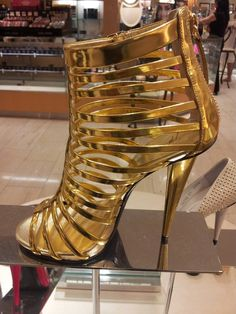 #guiseppizanotti shoes make me happy #sexybagsnshoes