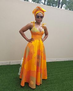 Look at this Fashionable modern african fashion African Fashion Designers, African Print Fashion, Africa Fashion, African Prints, African Maxi Dresses, African Attire, African Wear, Moda Afro, Traditional Dresses