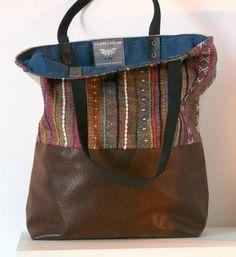 sac cabas tissu ethnique brodé et simili cuir brun : Sacs à main par yza-dora