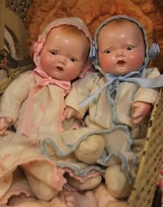 http://img0128.popscreencdn.com/180130108_twin-antique-12quot-old-baby-dolls-composition-and-cloth.jpg