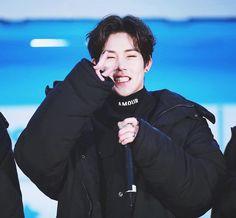 "1,010 Me gusta, 2 comentarios - Monsta X (@jooheonx) en Instagram: ""; Cute cute cute cute cute cute cute cute ◦ ◦ ◦ 170118 ⚡️ V LIVE ©︎ Control Freak #Jooheon #MonstaX…"""