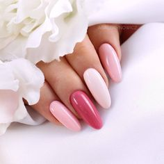 False nails have the advantage of offering a manicure worthy of the most advanced backstage and to hold longer than a simple nail polish. The problem is how to remove them without damaging your nails. Bridal Nails, Wedding Nails, Winter Nails, Summer Nails, Fall Nails, Cute Nails, Pretty Nails, Hair And Nails, My Nails