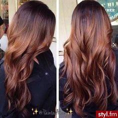 Fryzury Brązowe włosy: Fryzury Długie Na co dzień Kręcone Rozpuszczone Brązowe - Justyna Zielińska6 - 2908397 on We Heart It