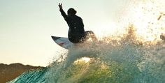 Sally Fitzgibbons peacing out!