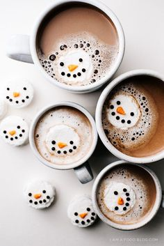 DIY Homemade Mint Marshmallow Snowmen -- the cutest hot cocoa buddies EVER!