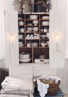linens and ironstone!