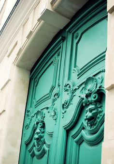 Creative Color, Pynt, Interiors, and Architecture image ideas & inspiration on Designspiration Teal Door, Turquoise Door, Mint Door, Turquoise Stone, Les Doors, Windows And Doors, Exterior Windows, Porte Cochere, Knobs And Knockers