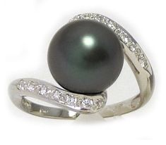 10mm Round Tahitian Cultured Pearl Ring in 18k Yellow or White Gold, 0.16ct Diamonds