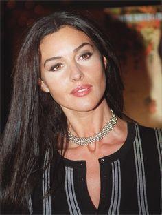 Monica Bellucci, 50 anni di bellezza