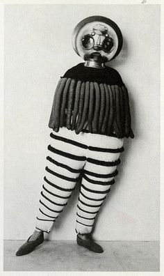 "Costume for the Triadic Ballet from ""The Theater of the Bauhaus"" macabre surreal costume design for theatre of curiosity at roll up circus Bauhaus, Old Photos, Vintage Photos, Johannes Itten, Ballet Theater, Theatre Costumes, Ballet Costumes, Weird Costumes, Vintage Costumes"