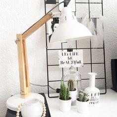 Deze Scandinavische lamp van de action is zo mooi en ook goedkoop (€18,95)! Staat o.a. super leuk in een Scandinavisch interieur.