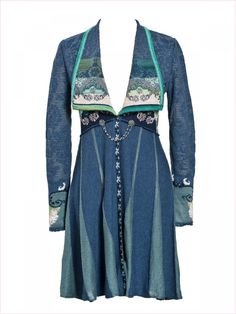 great look in a tunic length Funky Clothing, Upcycled Clothing, Paisley, Tunic Designs, Bohemian Soul, Denim Ideas, Funky Outfits, Altered Couture, Textiles