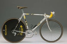 Fignon's Gitane with the stem attching to the steerer between the two headset bearings via a hole in the head tube Mountain Bike Frames, Mountain Bike Shoes, Mountain Bicycle, Vintage Cycles, Vintage Bikes, Retro Bikes, Vintage Sport, Road Bikes, Cycling Bikes