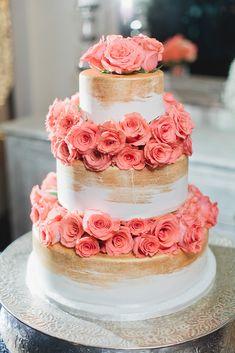 Yum-O! This gorgeous #metallic #paintedcake was just as tasty as it was…