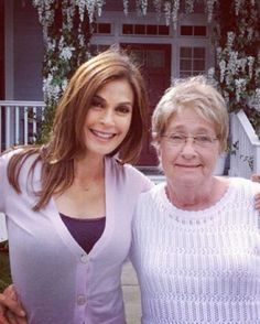 Susan and Karen. Desperate Housewives, Teri Hatcher, Housewife, Beautiful People, Tv Shows, Tv Land, Action, Lights, Character