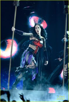 Katy Perry: 'Dark Horse' at the Grammys - Watch Now! | katy perry dark horse grammys performance 1 08 - Photo
