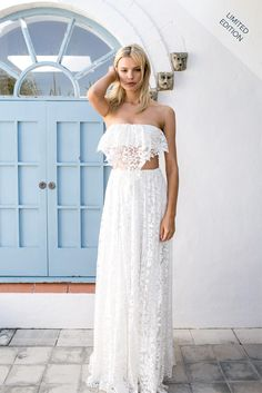 The Limited Edition Lola is the perfect lace ivory maxi set. Lovingly untraditional, this strapless twist on a bustier features a built-in bra with moulded cups for a beautiful fit. The Lola embodies a sense of elusiveness, and free-spirited charm. It is the perfect flirty & fun ensemble for a relaxed wedding environment, and is …