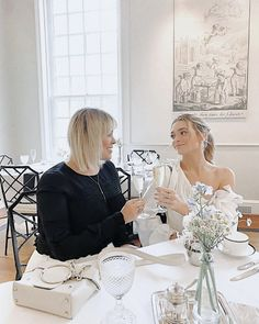 """Kelsey Simone on Instagram: """"Tea room with my momma for mommas day! Champagne for her, Apple cider for me 🥂 Love you so much Xx @liz_besanson 🌹"""" Kelsey Simone, Scenery Photography, Instagram Pose, Parisian Chic, Love You So Much, Apple Cider, Champagne, Celebs, Culture"""