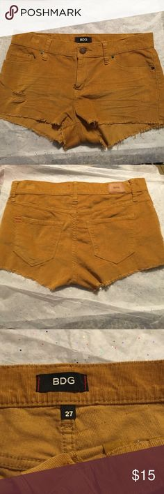 PDG shorts by urban outfitters size 27 BDG size 27 shorts by urban outfitters gently used no stains from a non-smoking home. BDG Shorts
