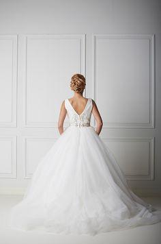 Mecco hääpuku MW10032 Lace Wedding, Wedding Dresses, Fashion, Bride Dresses, Moda, Bridal Wedding Dresses, Fashion Styles, Weding Dresses, Dress Wedding