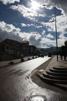 Sol sobre calles mojadas - 2011, Cusco
