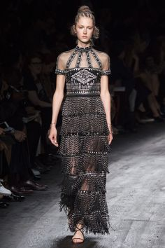 Valentino - Spring 2016 Ready-to-Wear