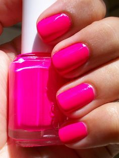 essie: flirty fuchsia Perfect for summer Fancy Nails, Love Nails, How To Do Nails, Pretty Nails, My Nails, Essie Pink Nail Polish, Nail Polish Colors, Pink Nails, Home Design