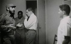 1966 - Che and Fidel on their last meeting - My Gallery - Photo Gallery Indian Literature, Ernesto Che, Red Army, Rare Photos, Celebrity Photos, Storytelling, Che Guevara, Photo Galleries, Hero