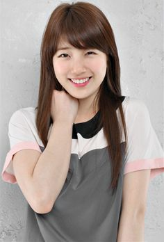 Top 10 Most Popular Korean Actresses In 2015 Bae Suzy Jung So Min, Korean Girl, Asian Girl, Asian Ladies, Miss A Suzy, Instyle Magazine, Cosmopolitan Magazine, Korean Fashion Trends, Bae Suzy