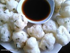 Resep cireng Crispy Savory Snacks, Snack Recipes, Cooking Recipes, Indonesian Food, Indonesian Recipes, Food N, Food And Drink, Cauliflower, Smoothies