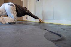 betonlook, looks van een gietvloer, het is een stukadoorstechniek op de vloer, www.naturelook.nl slijt en krasvast