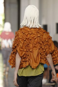 Shape & Volume - silk jacket with a cool use of fabric manipulation to create 3D bobble textures; art with fabric // Miriam Ponsa