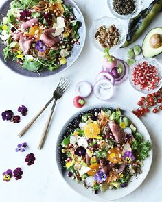 Healthy Salads, Healthy Recipes, Power Salad, Aesthetic Food, Salad Bowls, Food Design, Food Pictures, A Table, Salad Recipes