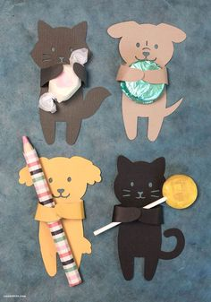 Summer Animal Treat Huggers - Lia Griffith DIY Summer Candy Huggers from Michaels Makers Lia Griffit School Projects, Projects For Kids, Crafts For Kids, Crafty Projects, Project Projects, Kitty Party, Cat Birthday, Birthday Cards, Birthday Design