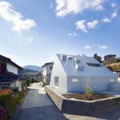 Cloudy House by Takao Shiotsuka Atelier