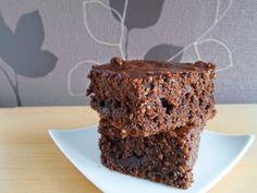 Schnelle Brownies mit Weinbrand-Kirschpralinen ~ Backgasse