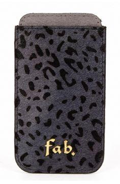 De perfecte accessoire voor je iPhone 6! De Fab. insteekhoes zorgt voor goede bescherming van je smartphone. (€39,99) Iphone 6 Covers, Smartphone Covers, Accessoires Iphone